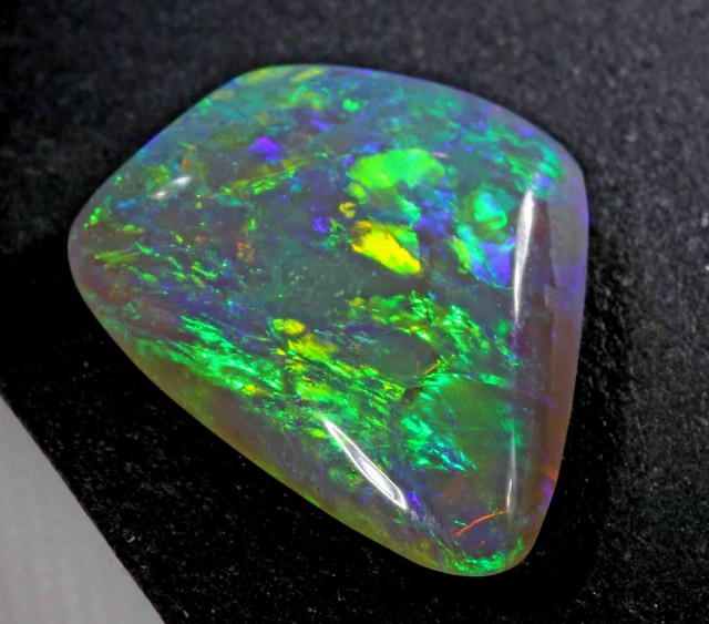 8.10 cts BLACK CRYSTAL OPAL FROM LR   608908