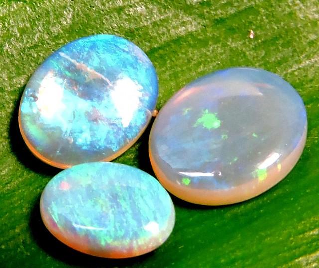 3 Cts Parcel  3 Crystal Opals QOM 1346