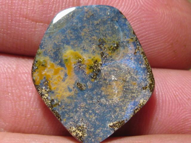 YowahOpals* 22.10Cts - 'Un-Drilled'  Boulder Opal.
