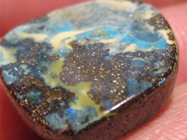 OpalWeb - Miners WholeSale Opals - 17.15Cts - Drilled.