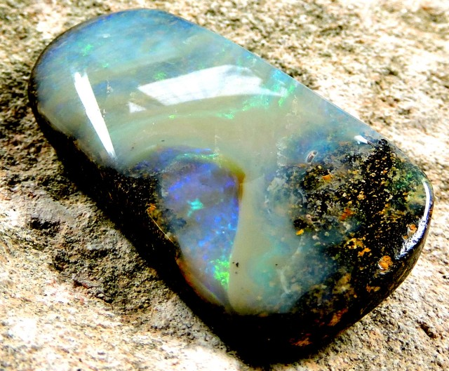 45.2 Cts Character  Boulder Opal  Pl  1144