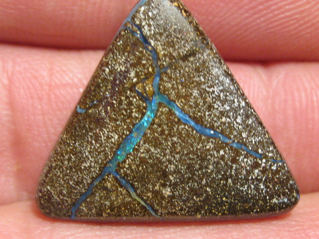 OpalWeb-Miners WholeSale Opals - 24.7Cts -NOT Drilled.