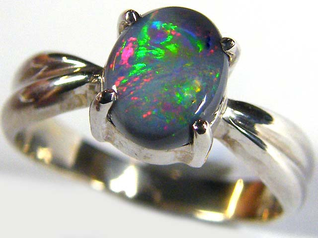Black Opal ring in 18k White gold size 6 SCO 573a