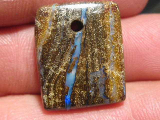 OpalWeb - WE MINE Opals - 24.55Cts - Drilled.