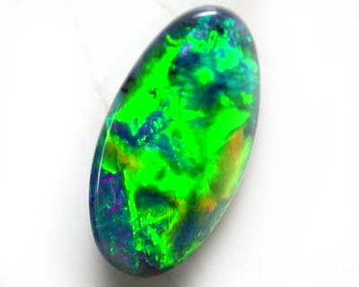 BLACK OPAL GEM ELECTRIC GREEN BRIGHT.90 CARATS B506