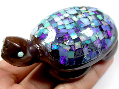 VIDEO BEAUTIFUL INLAID OPAL TURTLE  530 CARATS Q72