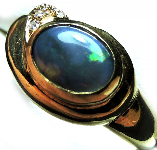 Black Opal Diamonds  set in 18k Gold Ring Size 9 SCO1947