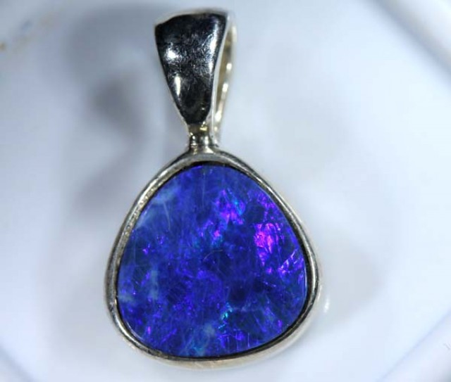 DOUBLET OPAL SILVER PENDANT  6.0 CTS   OF-405
