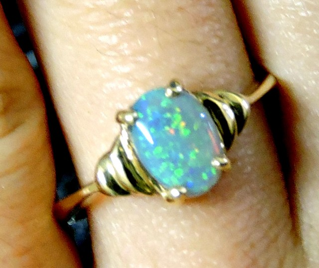 Fire Crystal  Opal set in 18k Gold Ring Size  7.5 A840