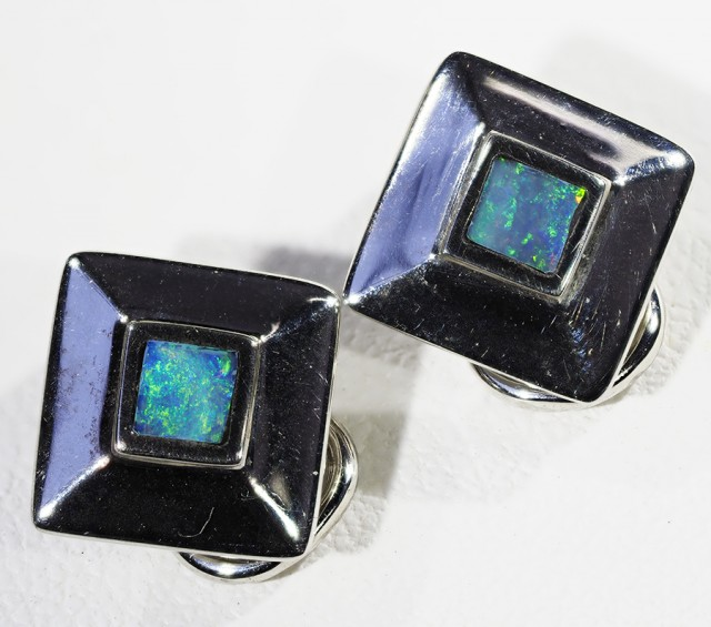 Inlay opal  set in 18k White  Gold Earrings A 839 a