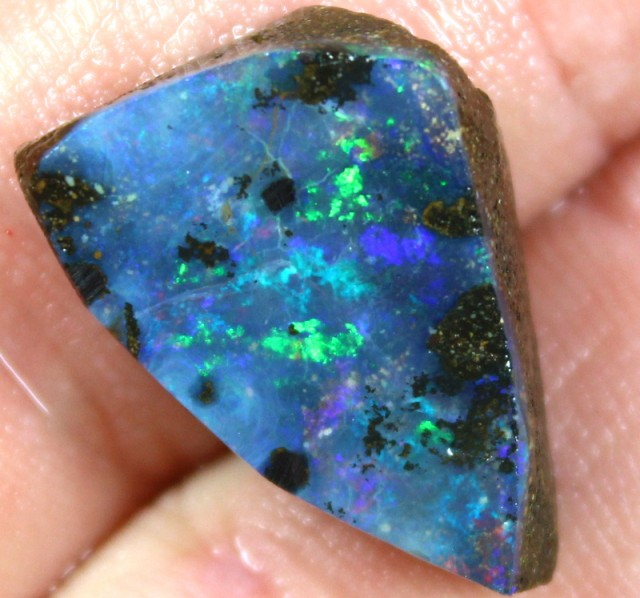 18.70 CTS BOULDER OPAL RUB PRE SHAPED FOR EASY CUTTING