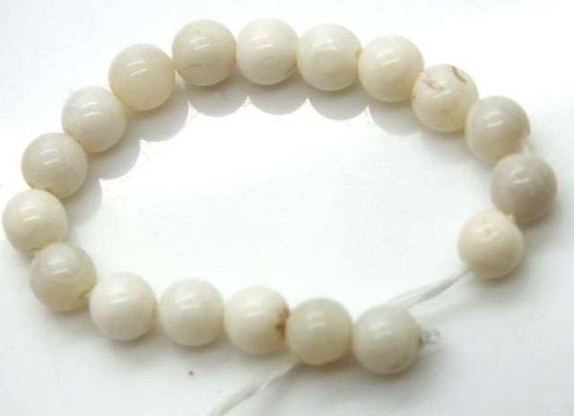 WHITE OPAL BEADS STRAND  15.0 CTS   LO-774