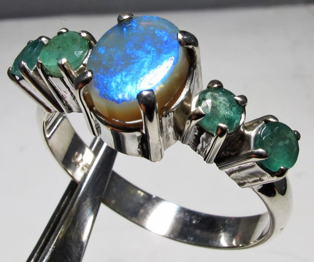 Solid Opal & Emerald set in Silver Ring Size8   PL 1205