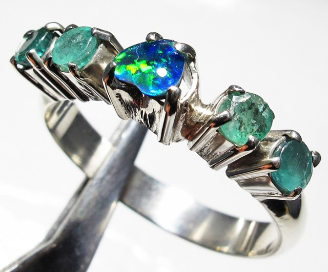 Emerald Triplet opal Cluster set in Silver Ring Size 8  PL 1217