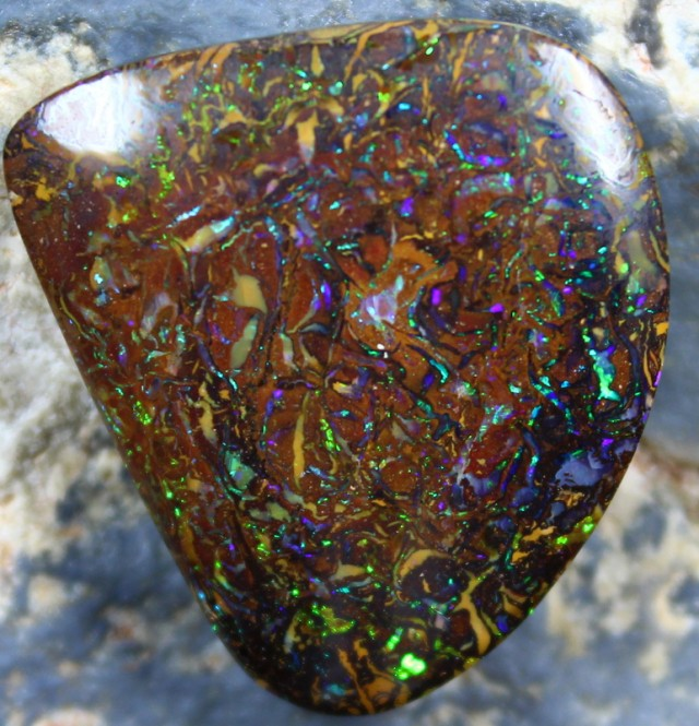 19.30 CTS YOWAH OPAL ELECTRIC SPARKLING COLORS BRIGHT C6672