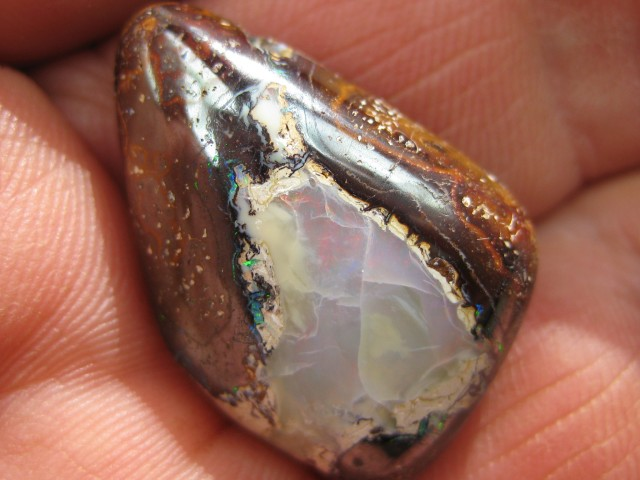 C/O.33cts,FROM OUR MINES! BOULDER MATRIX OPAL.