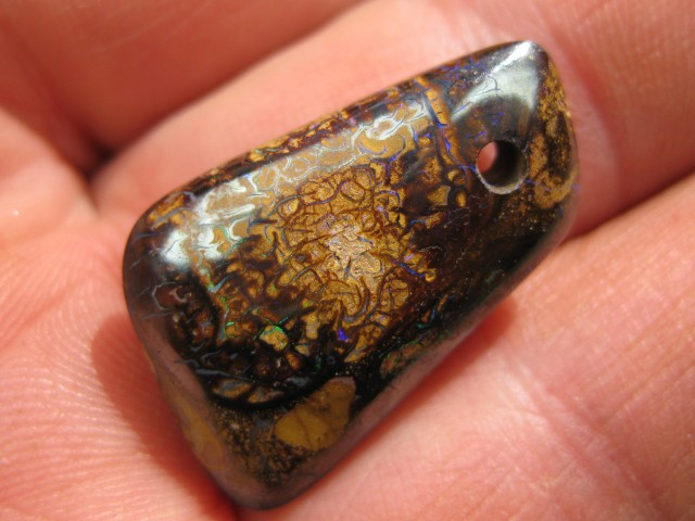 C/O 25cts,DRILLED BOULDER MATRIX OPAL.