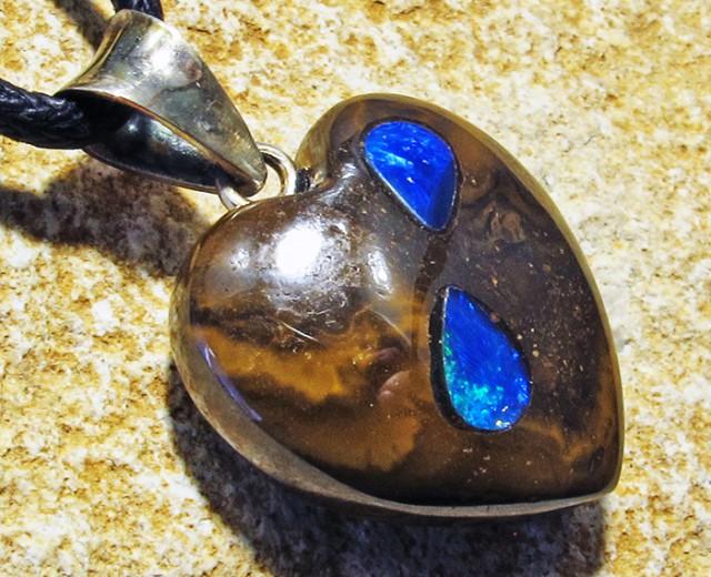 21.13 CTS Cute Heart Shape Inlay Pendant MMR 1725