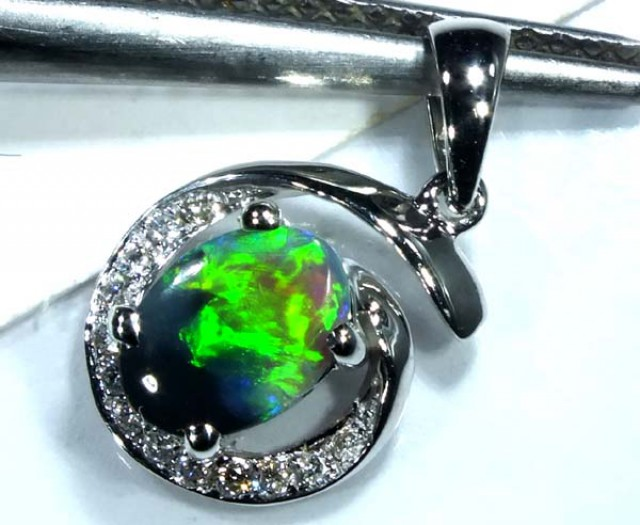 BLACK OPAL 18K WHITE GOLD PENDANT 8.60  CTS   OF-603