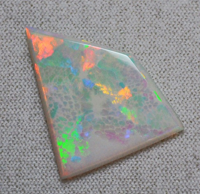 6.35ct ETHIOPIAN WELLO CRYSTAL SNAKE SKIN MASTERCUT GEM OPAL