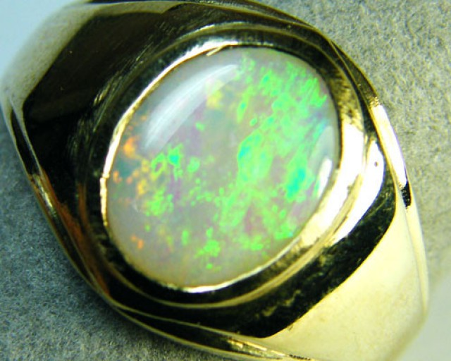 SOLID CRYSTAL OPAL 14 k ring SCA1428