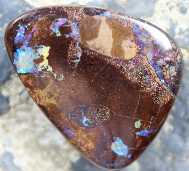 68.90 CTS YOWAH OPAL COLOR FLASH FROM MINE TOP POLISH STONE