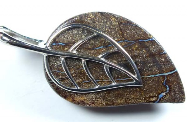 BOULDER OPAL SILVER PENDANT  88.60 CTS   OF-669