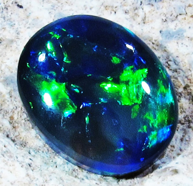 LIGHTNING RIDGE BLACK OPAL  1.60 CTS [XY15]