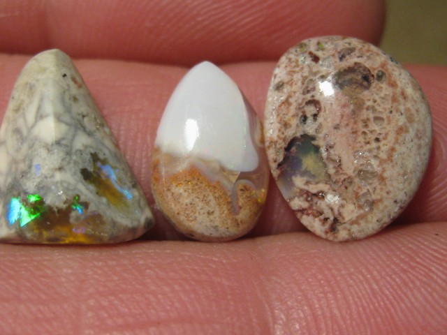 OpalWeb - Latest  Stock Mexican Opal - 12.50Cts.