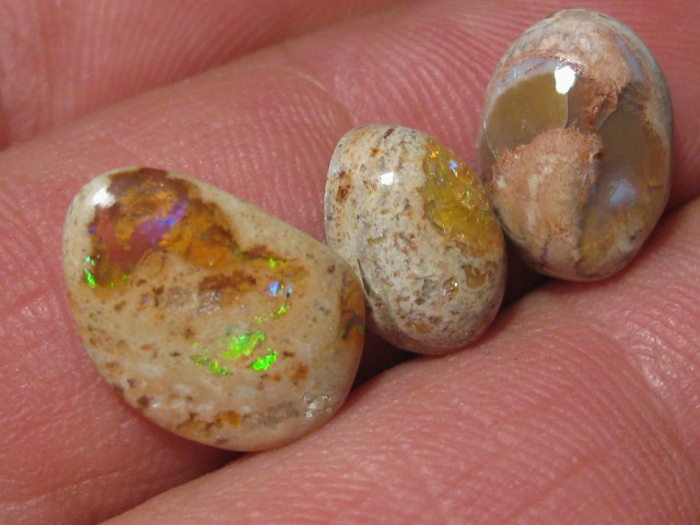 OpalWeb - Latest  Stock Mexican Opal - 9.75Cts.
