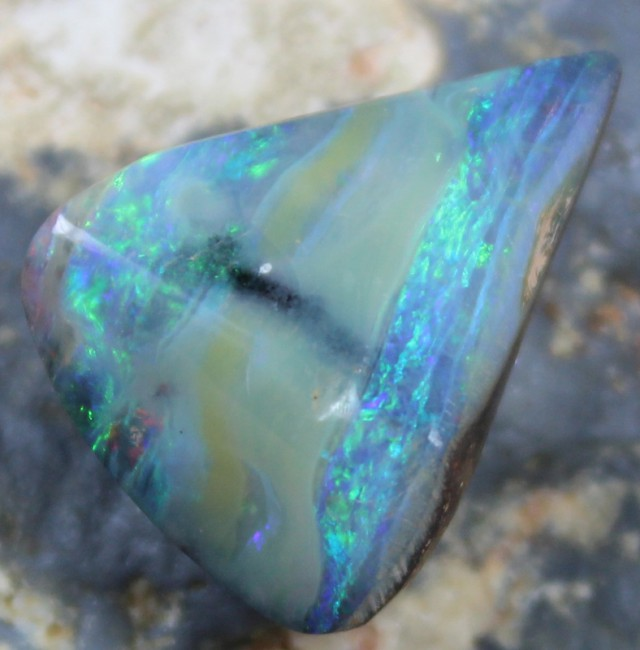 13.60 CTS BOULDER OPAL POLISHED STONE NICE COLORS C7478