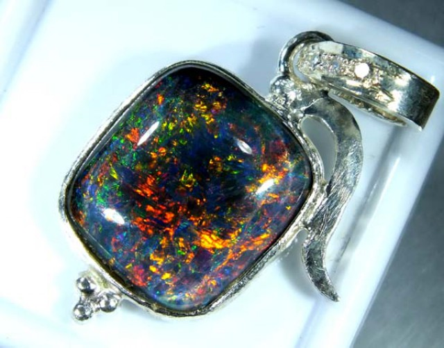 TRIPLET OPAL PENDANT SILVER 14.40 CTS OF-672