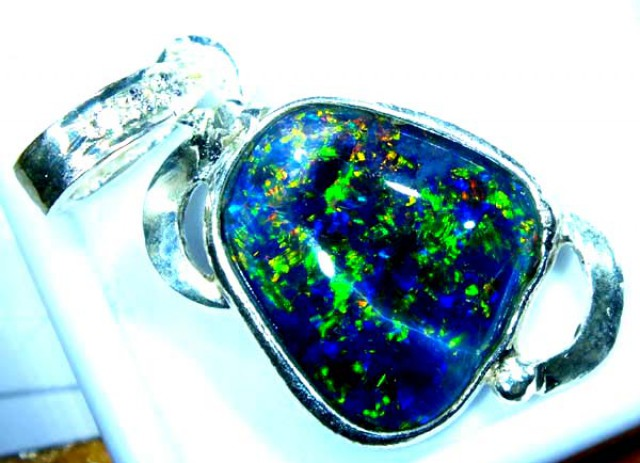 TRIPLET OPAL PENDANT SILVER 13.35  CTS OF-688