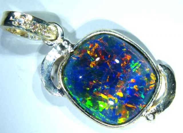 TRIPLET OPAL PENDANT SILVER 13.75  CTS OF-698