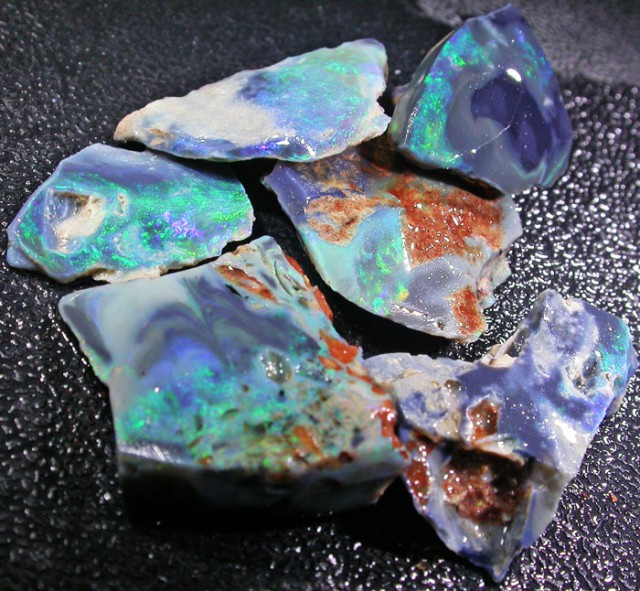 63.4 CTS FACED ROUGH PARCEL -LIGHTNING RIDGE  [BR3268]