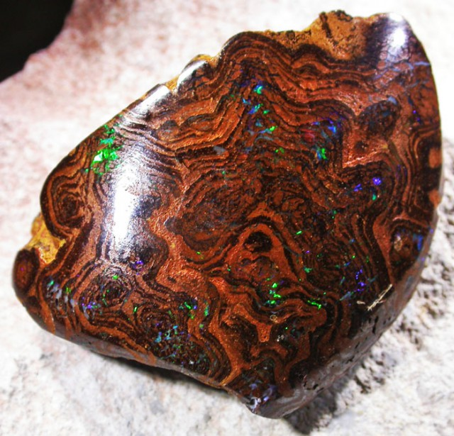 FLASHY MATRIX OPAL SPECIMEN.[SO4063A]