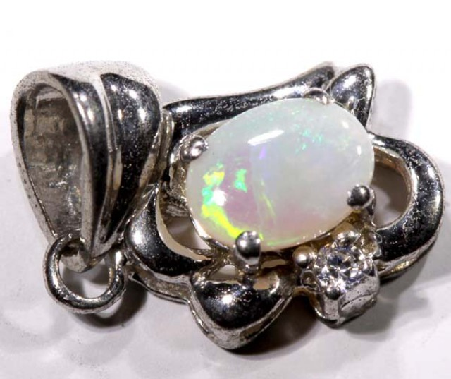 4.2 CTS SOLID OPAL WHITE GOLD PENDANT    TBO-2960