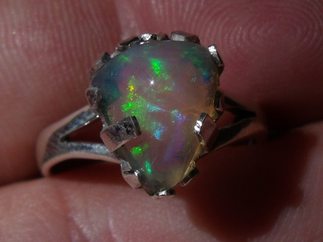 Bezel set Welo Opal gem silver ring sz 7.25