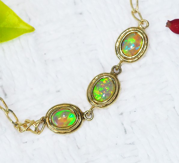 Solid Crystal Opal 18K Gold Bracelet 7inches SCO71