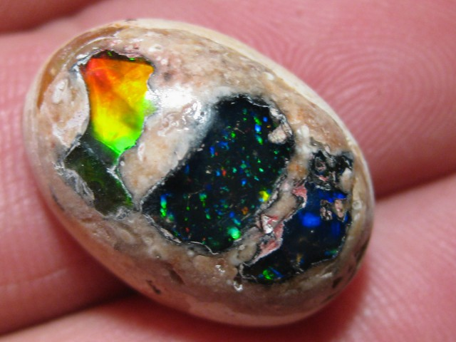 OpalWeb - Gemmy Mexican  Doublet Opal - 16.05Cts.