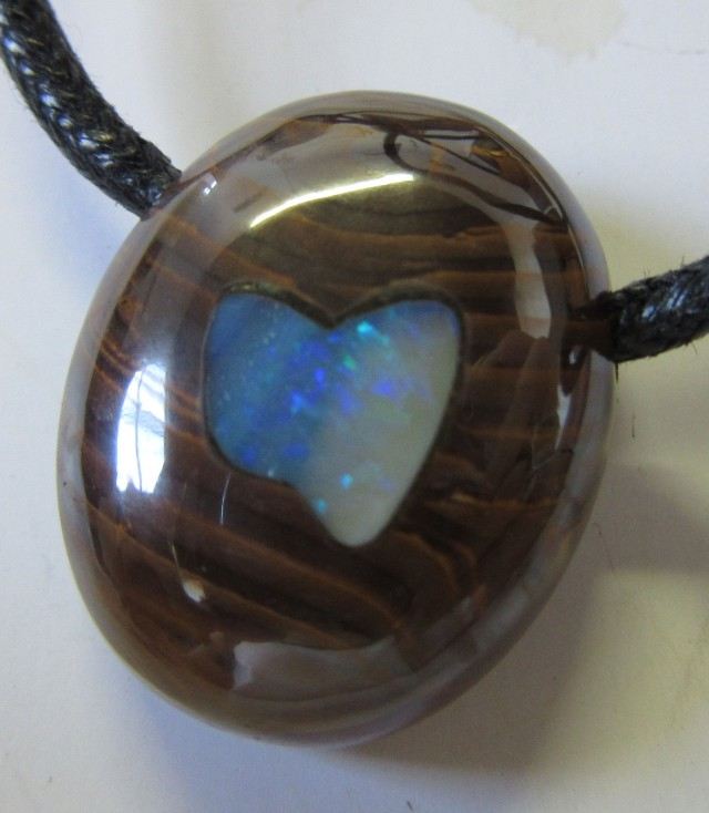 CTS  Boulder   Pendant  Opal Crystal  Inlay AGR366