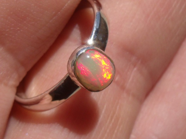 Bezel set Virgin Valley Nevada opal gem silver ring sz 7.0