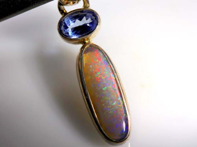 BLACK OPAL SILVER PENDANT 9.25  CTS     OF-902