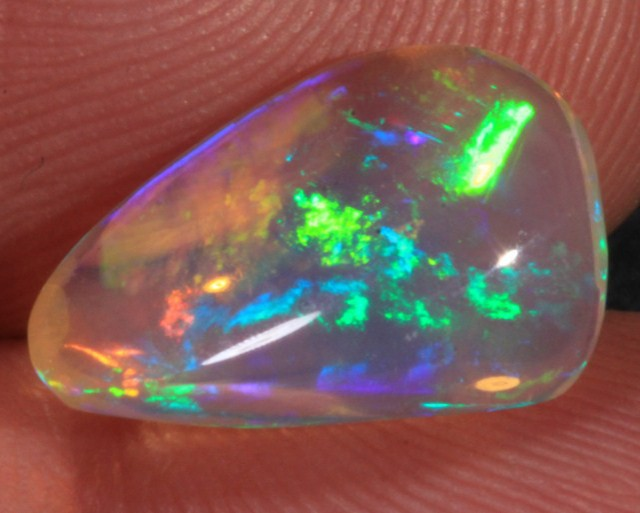 2.35CT~VERY BRIGHT WELO OPAL CAB~MIXED PATTERN