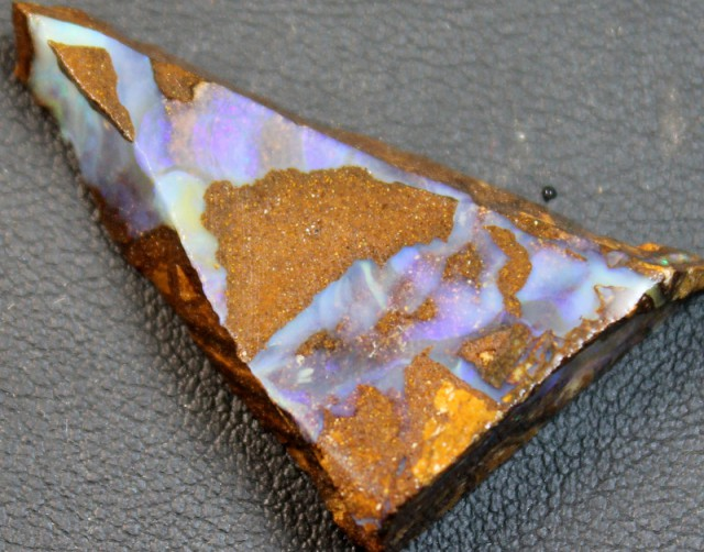 33.55 CTS BOULDER OPAL RUB FACED FOR EASY CUTTING
