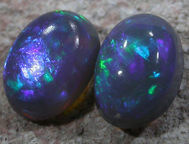 0.7 CTS CRYSTAL OPAL PAIRS[Q1922]
