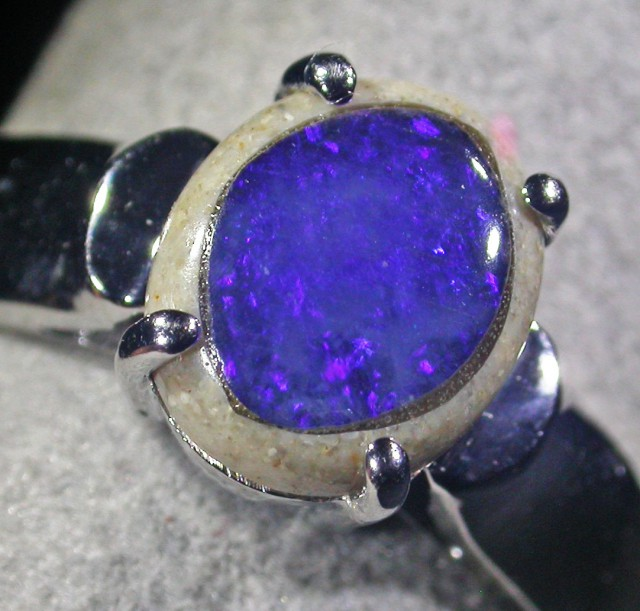 SIZE 8 Crystal opal inlay Silver Ring  AGR 680