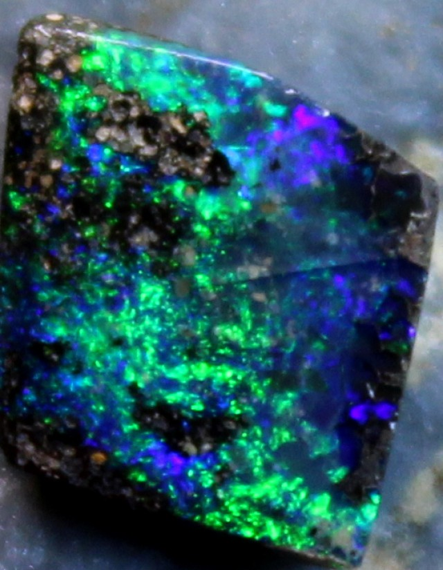 1.25 CTS BOULDER OPALELECTRIC GREEN COLOR POLISHED STONE C9130