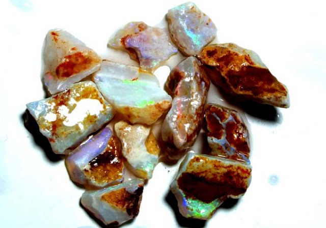 WHITE OPAL ROUGH 23 CTS  DT-4216