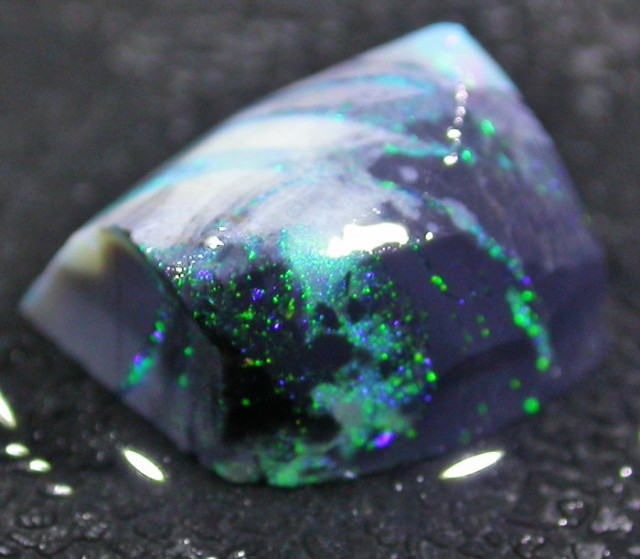 3.95 CTS BLACK OPAL ROUGH -FACED -LIGHTNING RIDGE [BR3455]
